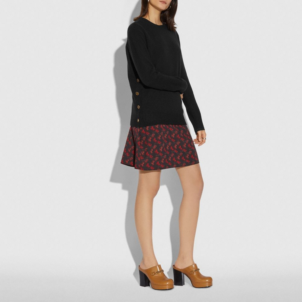 호스 앤 캐리지 프린트 스웨터 드레스