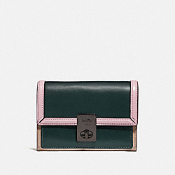 HUTTON WALLET IN COLORBLOCK - V5/PNE GRN AURORA MULTI - COACH 89250