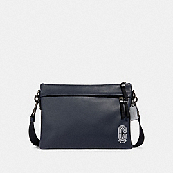 EDGE MESSENGER WITH REFLECTIVE COACH PATCH - QB/MIDNIGHT NAVY MULTI - COACH 89915