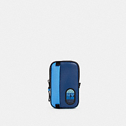 NORTH/SOUTH HYBRID POUCH IN COLORBLOCK WITH COACH PATCH - QB/BLUE MULTI - COACH 91229