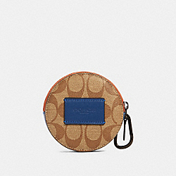 ROUND HYBRID POUCH IN COLORBLOCK SIGNATURE CANVAS - QB/TAN ADMIRAL MULTI - COACH 91296
