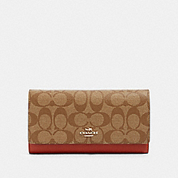 TRIFOLD WALLET IN COLORBLOCK SIGNATURE CANVAS - IM/KHAKI MULTI - COACH 91585
