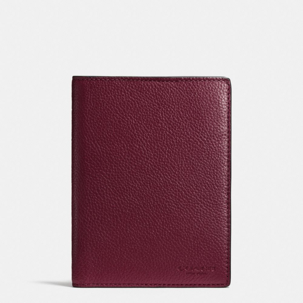 PASSPORT CASE IN REFINED PEBBLE LEATHER - Alternate View