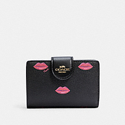 MEDIUM CORNER ZIP WALLET WITH LIPS PRINT - IM/BLACK MULTI - COACH C2886