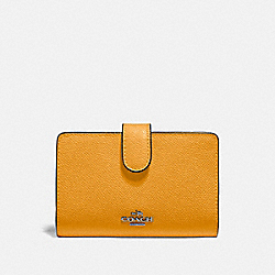 MEDIUM CORNER ZIP WALLET - QB/YELLOW - COACH F11484