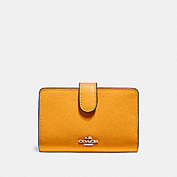 MEDIUM CORNER ZIP WALLET - f11484 - SILVER/TANGERINE