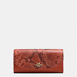 COACH SLIM ENVELOPE IN POLISHED PEBBLE LEATHER WITH PYTHON EMBOSSED LEATHER - IMITATION GOLD/TERRACOTTA MULTI - F11928