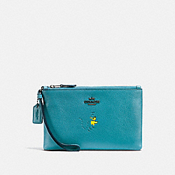 BOXED SMALL WRISTLET WITH SNOOPY - QB/OCEAN - COACH F16110