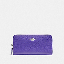 COACH ACCORDION ZIP WALLET IN POLISHED PEBBLE LEATHER - SILVER/PURPLE - F16612