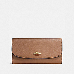 COACH CHECKBOOK WALLET IN POLISHED PEBBLE LEATHER - IMITATION GOLD/SADDLE - F16613
