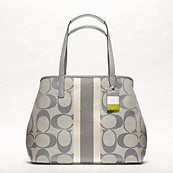 HAMPTONS WEEKEND SIGNATURE STRIPE MEDIUM TOTE