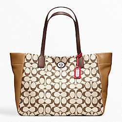 COACH LEGACY WEEKEND PRINTED SIGNATURE EAST-WEST TURNLOCK TOTE - SILVER/KHAKI/VIOLET - F21236