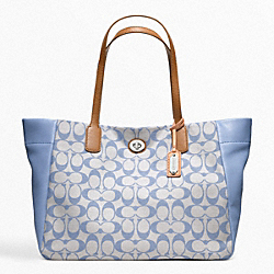 COACH LEGACY WEEKEND PRINTED SIGNATURE EAST-WEST TURNLOCK TOTE - SILVER/GREY CHAMBRAY - F21236
