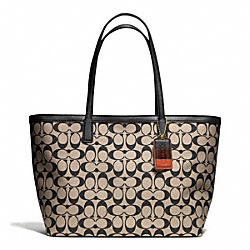 COACH WEEKEND PRINTED SIGNATURE ZIP TOP TOTE - ONE COLOR - F23107