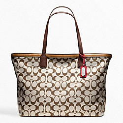 COACH WEEKEND PRINTED SIGNATURE ZIP TOP TOTE - SILVER/CORAL - F23107