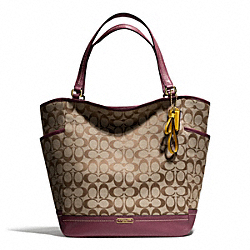 COACH PARK SIGNATURE NORTH/SOUTH TOTE - BRASS/KHAKI/BURGUNDY - F23295