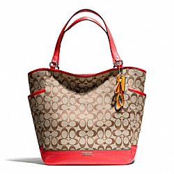 COACH PARK SIGNATURE NORTH/SOUTH TOTE - SILVER/KHAKI/VERMILLION - F23295