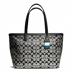 COACH WEEKEND SIGNATURE C MEDIUM ZIP TOP TOTE - ONE COLOR - F23465