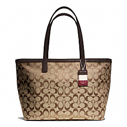 WEEKEND SIGNATURE C MEDIUM ZIP TOP TOTE COACH F23465