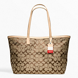 COACH WEEKEND SIGNATURE C MEDIUM ZIP TOP TOTE - SILVER/KHAKI/VACHETTA - F23465
