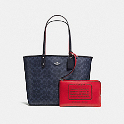 COACH REVERSIBLE CITY TOTE IN SIGNATURE CANVAS - SILVER/DENIM - F25018