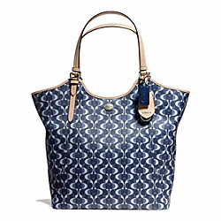 PEYTON DREAM C TOTE COACH F25522