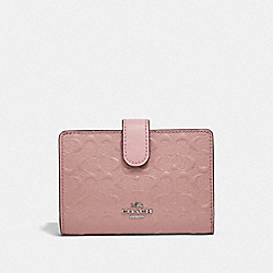 MEDIUM CORNER ZIP WALLET - SILVER/BLUSH 2 - COACH F25937
