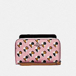 PHONE WALLET WITH CHECKER HEART PRINT - SILVER/BLUSH MULTI - COACH F25963