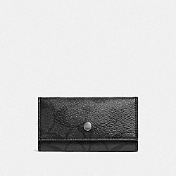 COACH FOUR RING KEY CASE IN SIGNATURE CANVAS - CHARCOAL/BLACK - F26104
