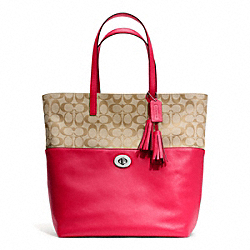 COACH TURNLOCK TOTE IN SIGNATURE FABRIC - SILVER/LT KHAKI/PINK SCARLET - F26476