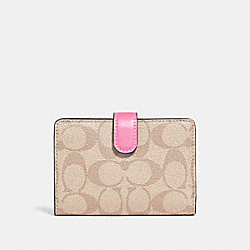 MEDIUM CORNER ZIP WALLET IN COLORBLOCK SIGNATURE CANVAS - KHAKI/MULTI/IMITATION GOLD - COACH F27147