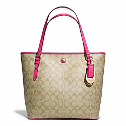 COACH PEYTON ZIP TOP TOTE IN SIGNATURE FABRIC - BRASS/LT KHAKI/POMEGRANATE - F27348