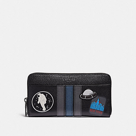 COACH ACCORDION WALLET WITH VARSITY SPACE PATCHES - BLACK - f28297