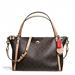 PEYTON SIGNATURE EAST/WEST CONVERTIBLE SHOULDER BAG - f28366 - 26657