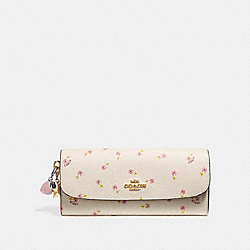 COACH BOXED SOFT WALLET WITH DITSY DAISY PRINT AND CHARMS - CHALK MULTI/IMITATION GOLD - F28853