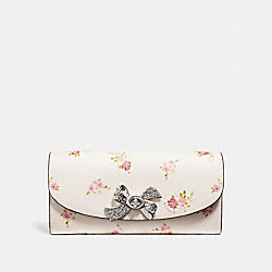 SLIM ENVELOPE WALLET WITH DAISY BUNDLE PRINT - SILVER/CHALK - COACH F29448