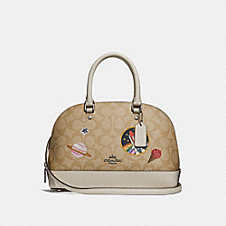 MINI SIERRA SATCHEL IN SIGNATURE CANVAS WITH SPACE PATCHES - LIGHT KHAKI/CHALK/SILVER - COACH F29618