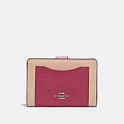 MEDIUM CORNER ZIP WALLET IN COLORBLOCK - SILVER/PINK MULTI - COACH F29939
