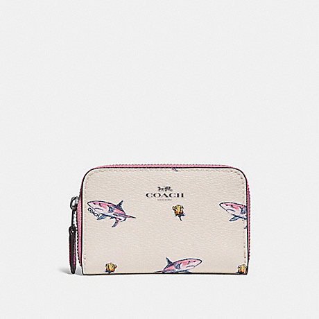 COACH ZIP AROUND COIN CASE WITH SHARK ROSE PRINT - BLACK ANTIQUE NICKEL/CHALK MULTI - f30037