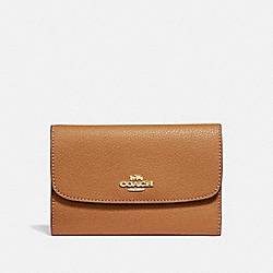 COACH MEDIUM ENVELOPE WALLET - LIGHT SADDLE/light gold - F30204