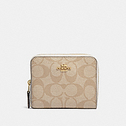 COACH SMALL ZIP AROUND WALLET IN SIGNATURE CANVAS - LIGHT KHAKI/CHALK/light gold - F30308