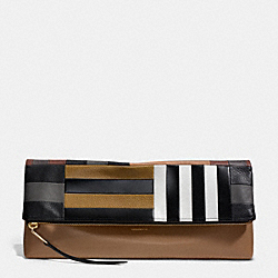 COACH THE LARGE PATCHWORK CLUTCHABLE - GOLD/WALNUT BLACK - F30372