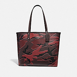 REVERSIBLE CITY TOTE WITH WILD CAMO PRINT - BURGUNDY MULTI/SILVER - COACH F31451