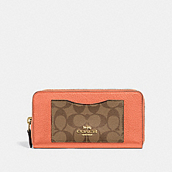 ACCORDION ZIP WALLET IN COLORBLOCK SIGNATURE CANVAS - LIGHT CORAL/MULTI/GOLD - COACH F31612