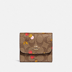 SMALL WALLET IN SIGNATURE CANVAS WITH CHERRY PRINT - KHAKI MULTI /LIGHT GOLD - COACH F31939