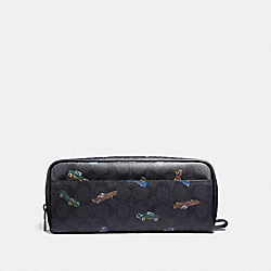 COACH DOUBLE ZIP DOPP KIT IN SIGNATURE CANVAS WITH CAR PRINT - ANTIQUE NICKEL/BLACK MULTI - F32629