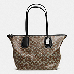 COACH COACH TAXI ZIP TOP TOTE IN SIGNATURE - DARK NICKEL/BROWN/BLACK - F33504