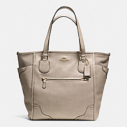 COACH MICKIE TOTE IN CAVIAR GRAIN LEATHER - LIGHT GOLD/GOLD - F34801