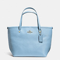 COACH MINI STREET TOTE IN CROSSGRAIN LEATHER - LIGHT GOLD/PALE BLUE - F34871