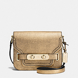 COACH SWAGGER SMALL SHOULDER BAG IN METALLIC PEBBLE LEATHER - f35995 - LIGHT GOLD/GOLD